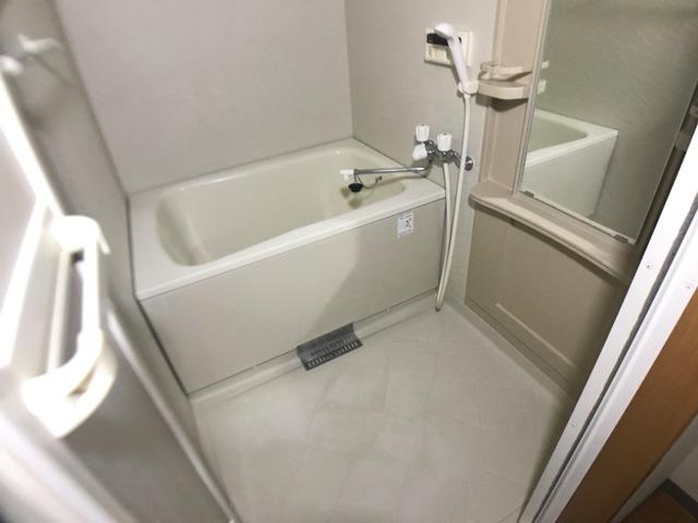 リヴィエール宮前 205号室の風呂