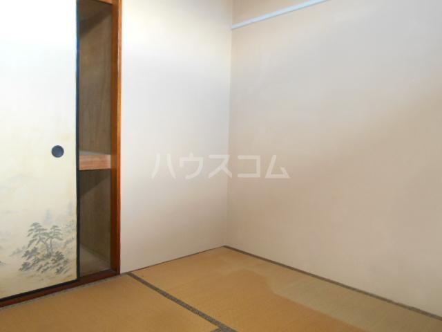 川本コーポ中屋敷 203号室の居室