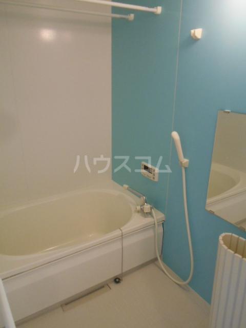 メゾン・ド・ソレイユ 101号室の風呂