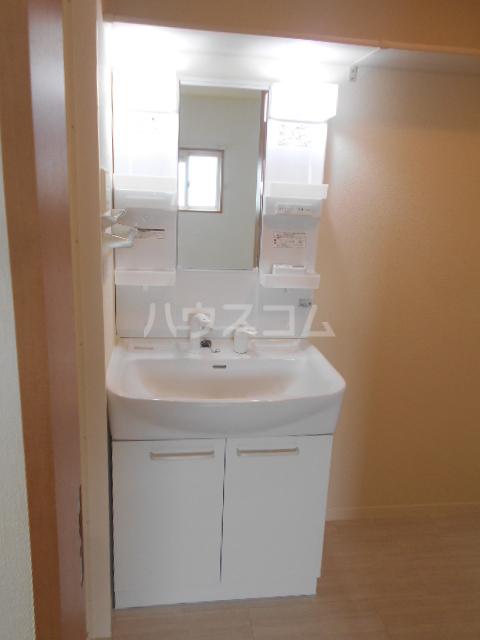 メゾン・ド・ソレイユ 101号室の洗面所