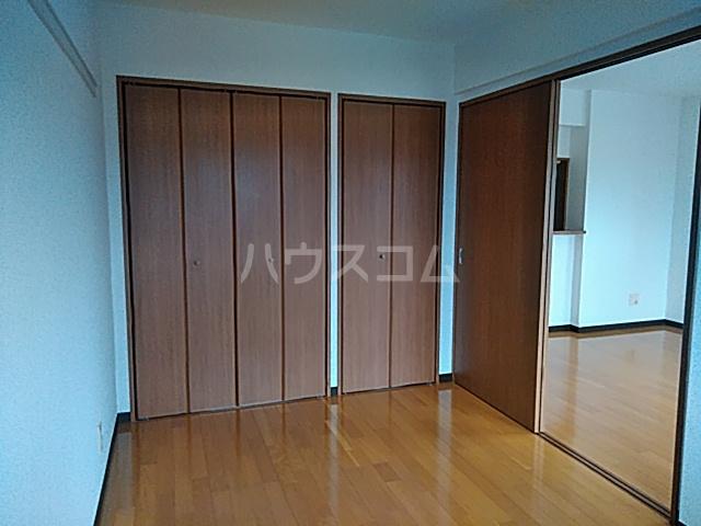 パルテール足柄Ⅱ 301号室の居室