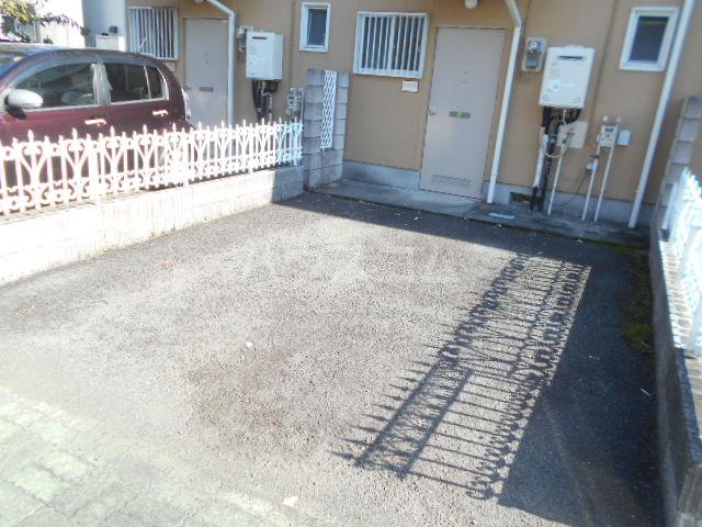 エステートピアNAITO Bの駐車場