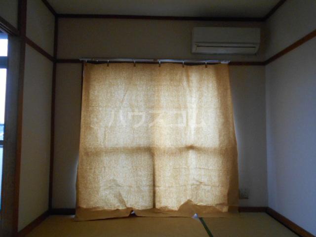 小沢ハイツ 303号室のリビング