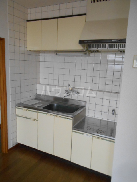 小沢ハイツ 303号室のキッチン