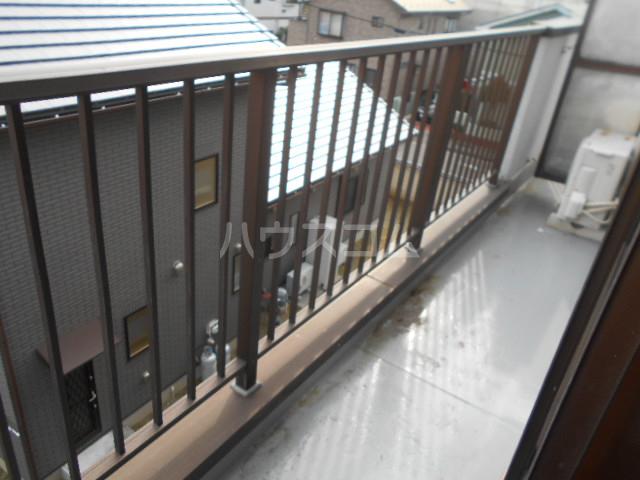 小沢ハイツ 303号室のバルコニー