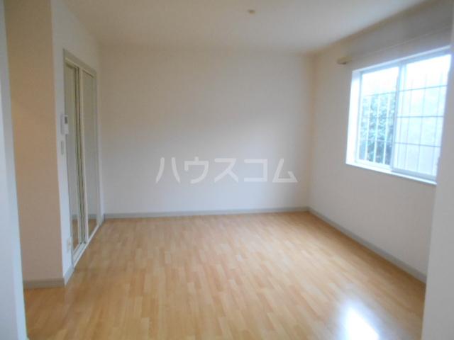 ソレイユ 102号室の玄関