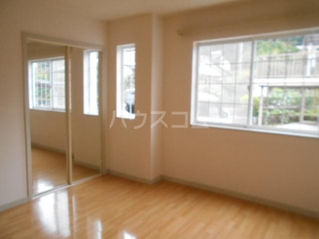 ソレイユ 102号室の居室