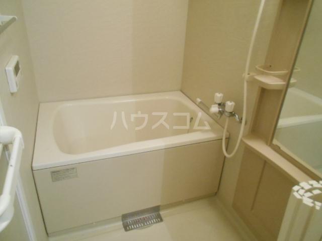 ソレイユ 102号室の風呂