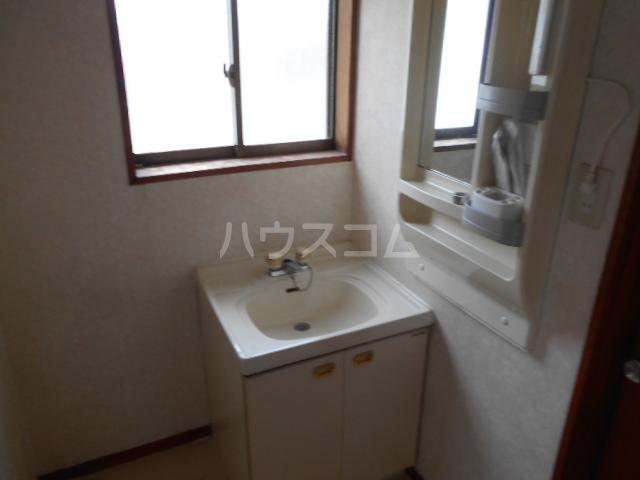 スカイコートB 202号室の居室