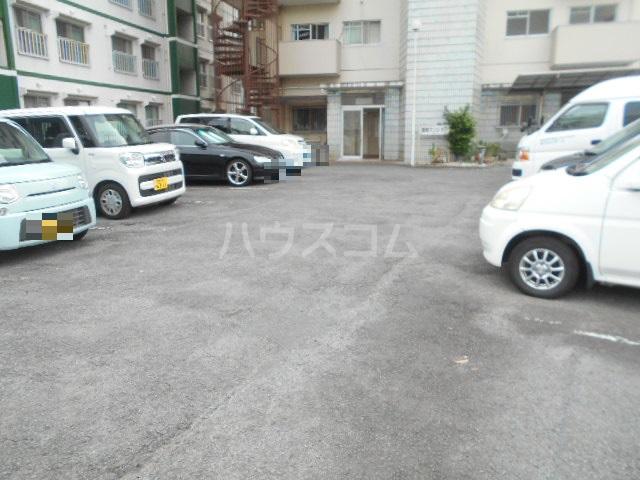 扇町マンション 202号室の駐車場