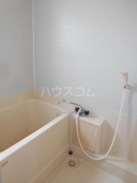 ホワイトハイツ 305号室の風呂