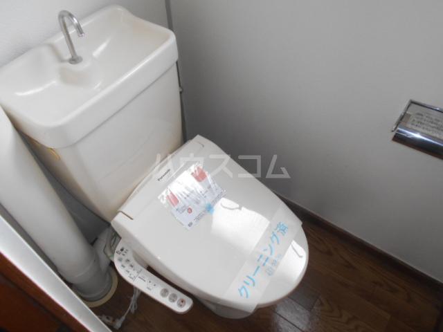 ホワイトハイツ 305号室のトイレ