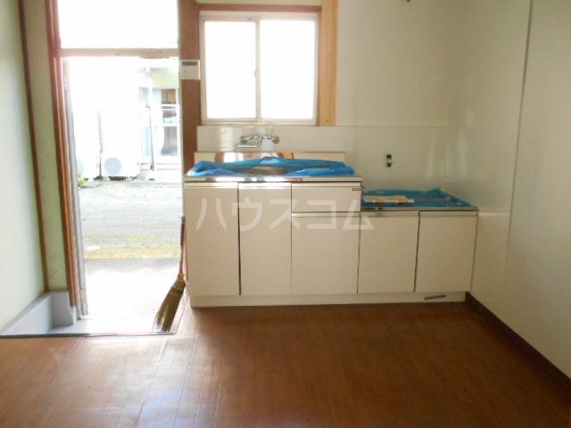 第一城南荘 102号室のキッチン