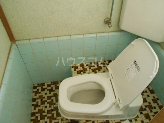 第一城南荘 102号室のトイレ