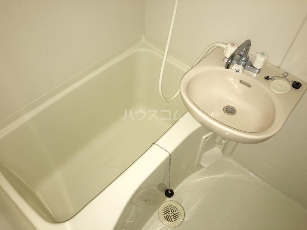 レオパレスN 102号室の風呂