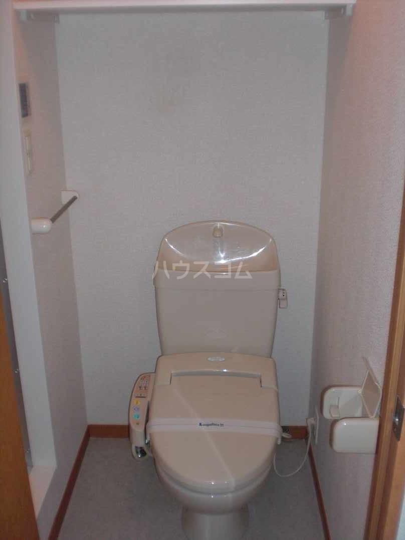 レオパレスN 102号室のトイレ