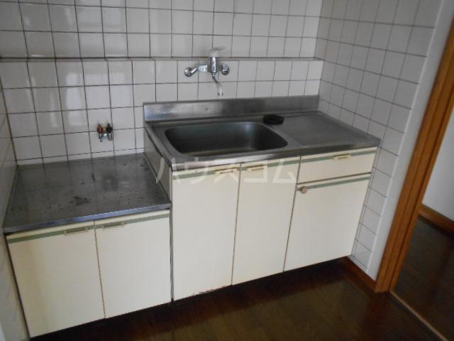 小沢ハイツ 201号室のキッチン