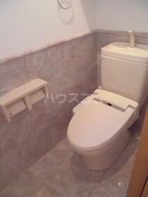カーサ・ドマーニB 201号室のトイレ