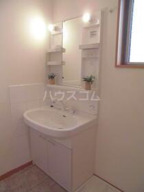 カーサ・ドマーニB 201号室の洗面所