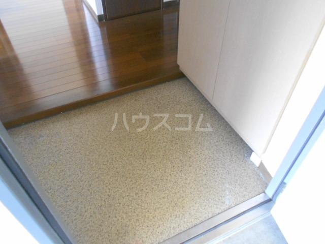 グレースヒル足柄 201号室の玄関