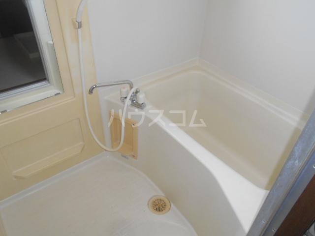 グレースヒル足柄 201号室の風呂