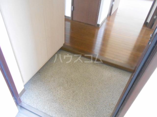 グレースヒル足柄 302号室の玄関