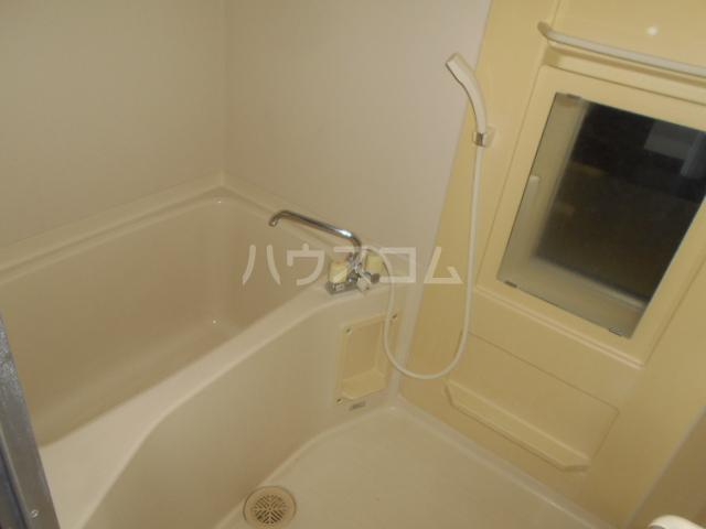 グレースヒル足柄 302号室の風呂