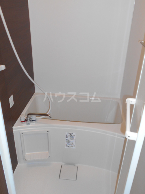 GOLDEN HOUSE新小岩 102号室の風呂