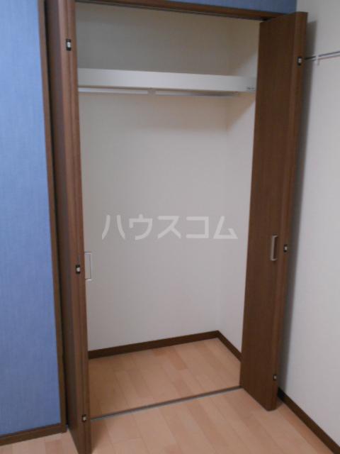 GOLDEN HOUSE新小岩 102号室の収納