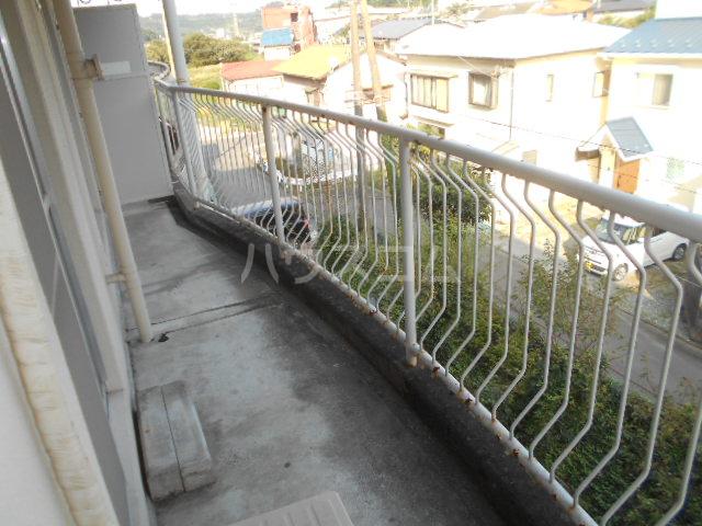 小川ハイツ 303号室のバルコニー
