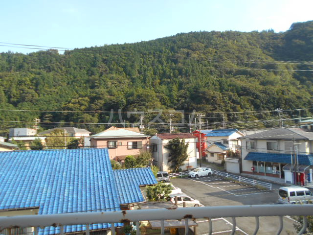 小川ハイツ 303号室の景色