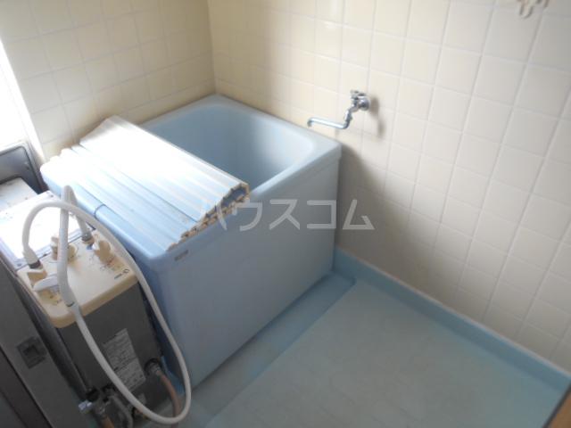 小川ハイツ 303号室の風呂