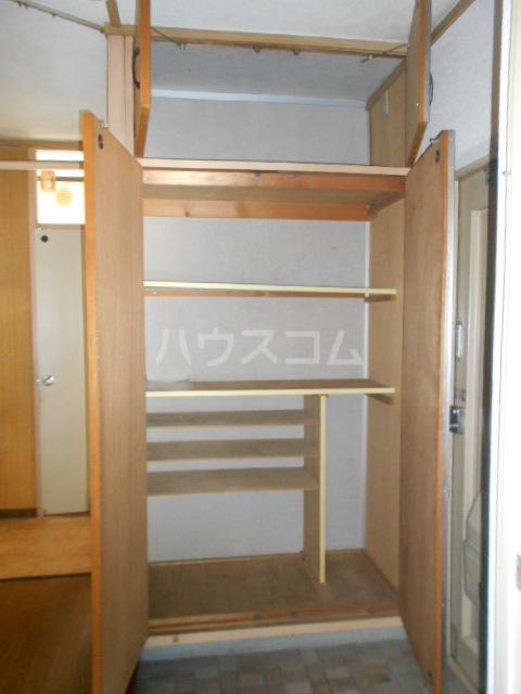 小川ハイツ 303号室の収納