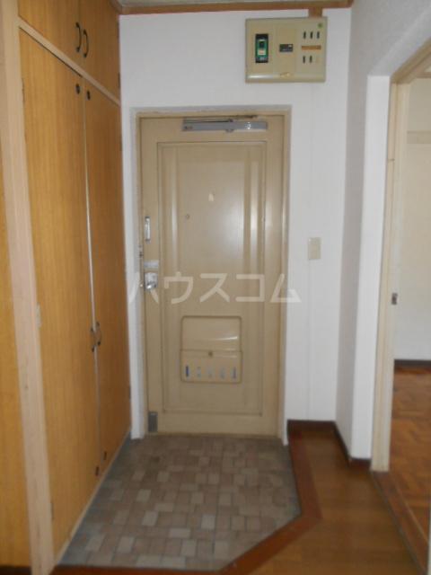 小川ハイツ 303号室の玄関
