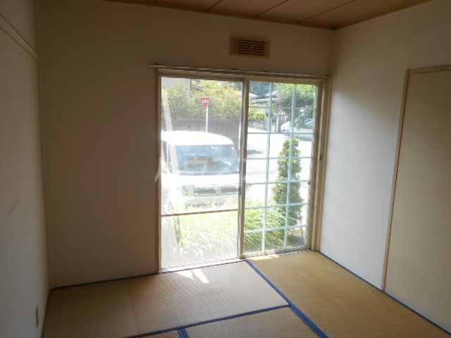 ベルデK 101号室の居室