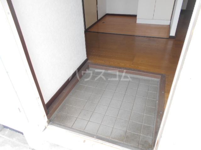 ベルデK 101号室の玄関