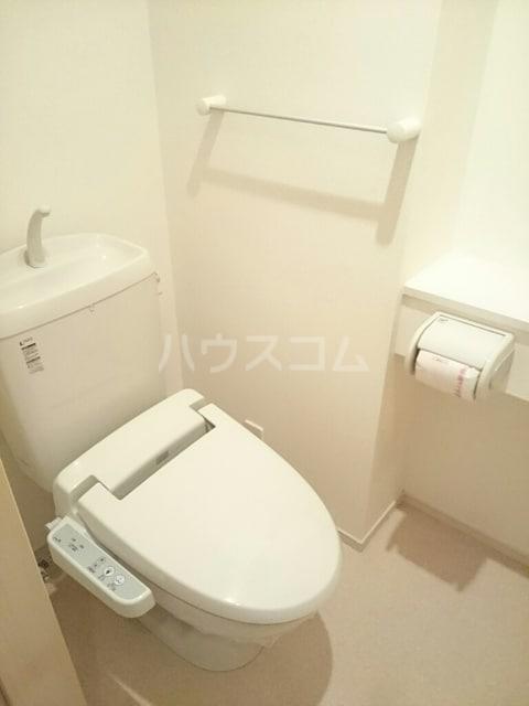 ラ・メゾン・リュミエール 01010号室のトイレ