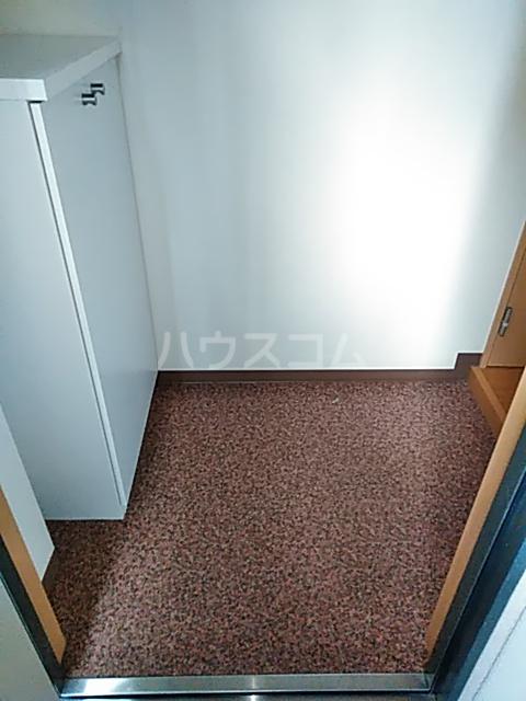 チアフルコート 203号室の玄関