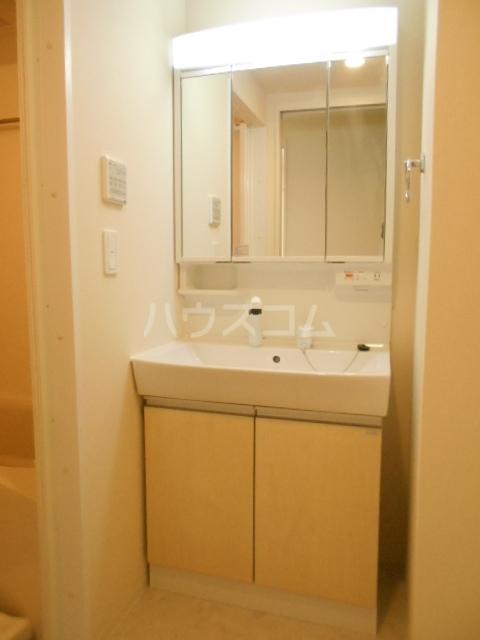 小田原市飯泉マンション新築工事 303号室の洗面所