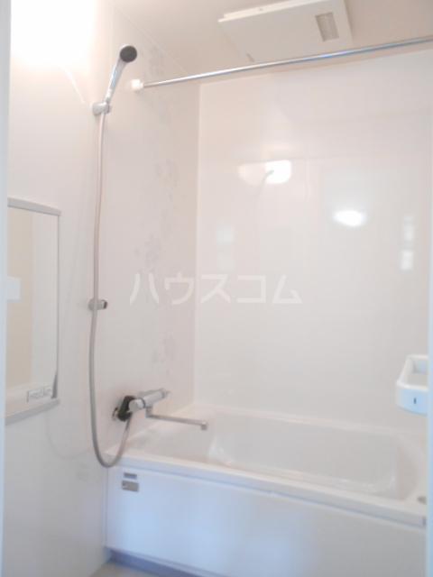 メゾンホワイトⅡ 101号室の風呂