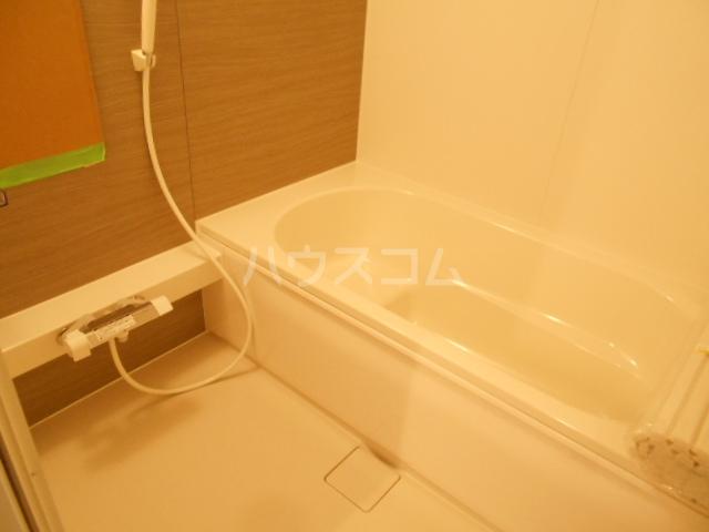 コンフォルト 102号室の風呂