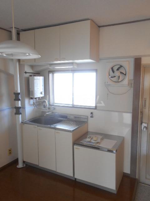 栄町マンション 3C号室のキッチン