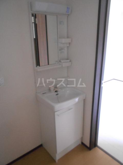 ベルウッド小田原 101号室の洗面所
