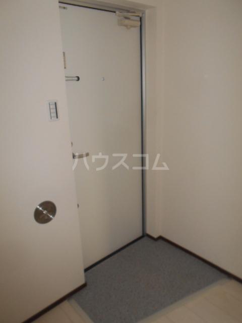 ベルウッド小田原 102号室の玄関