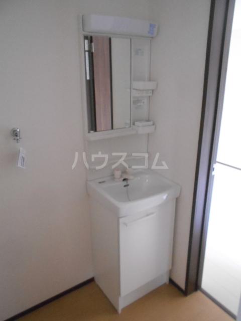 ベルウッド小田原 102号室の洗面所