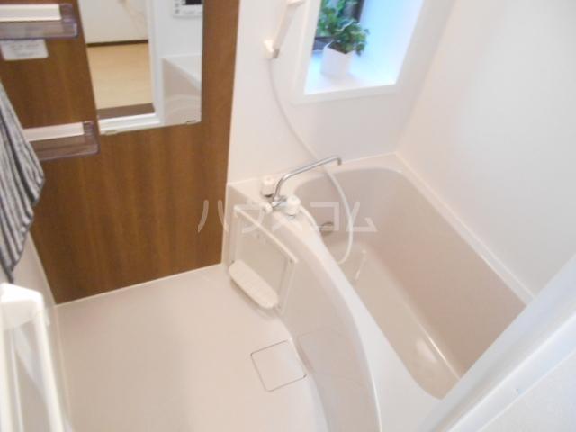 ベルウッド小田原 202号室の風呂