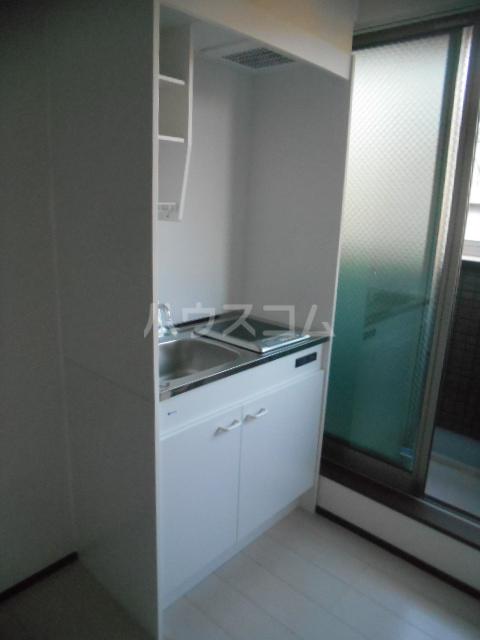 ベルウッド小田原 203号室のキッチン
