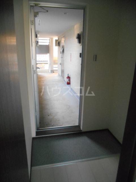 ベルウッド小田原 203号室の玄関