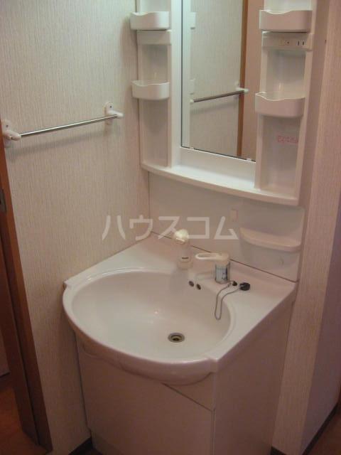 WING湯河原 206号室の洗面所