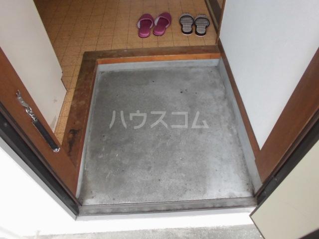 コーポタナベ 202号室の玄関
